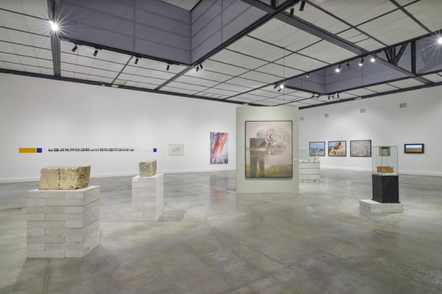 Negar el desierto – Muestra colectiva. Curaduría: Horacio Gómez, Gisselle Girón, Mijail Mitrovic, Iosu Aramburú y Giuliana Vidarte